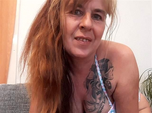 Rollige Tante Sofie will einen Fickbody