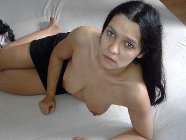 Sexsüchtige Hausfrau Lucy will versaut ficken