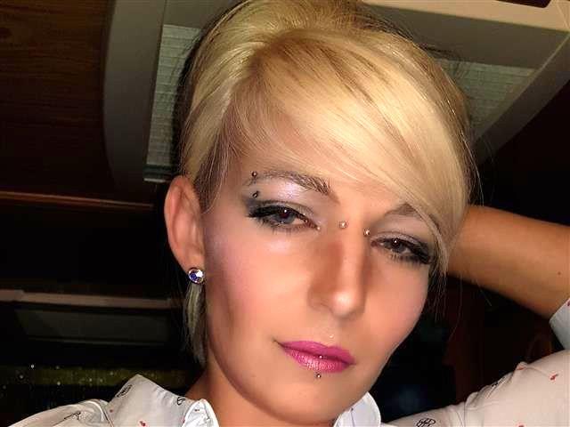 Leckere Perle Luisa will mehr poppen