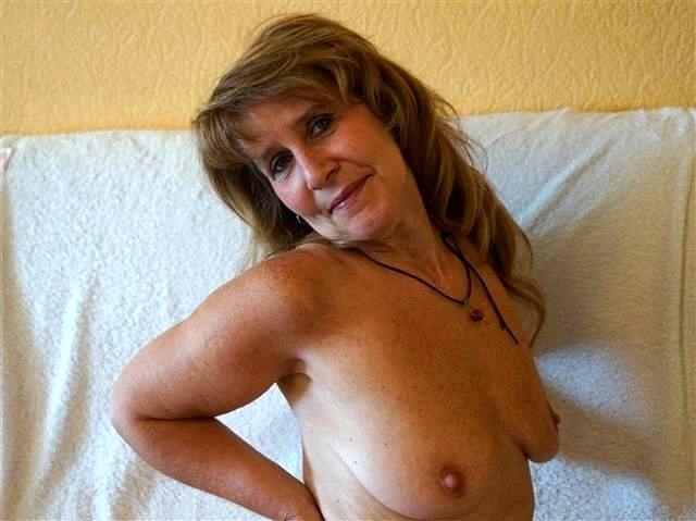 Lustvolle Sexpartnerin Smilla will versaut blasen