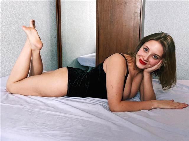 Sexbesessene Mami Meike will flachgelegt werden