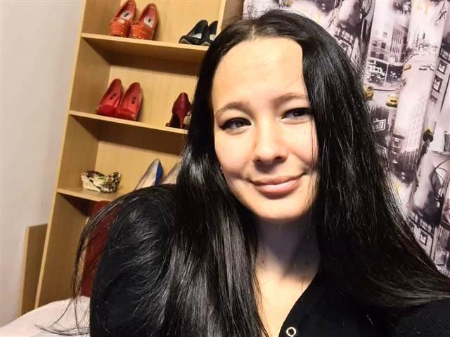 Sexhungrige Tussi Eleonora will einen Macho